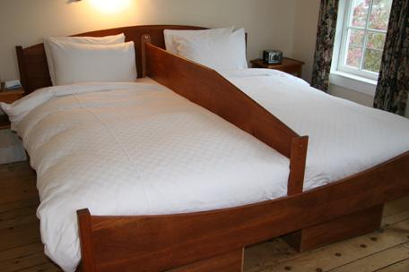 Mennonite, Amish, bundling board, courtship bedding, New England