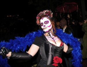 blue boa, greenwich village halloween parde, Murray Head
