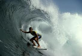 shooting the curl, tube surfing