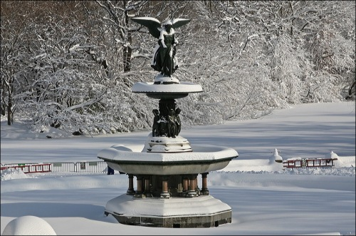 Central Park, Bethesda Fountain, blizzard Jan 2th New york city