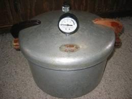 vintage pressure cooker,
