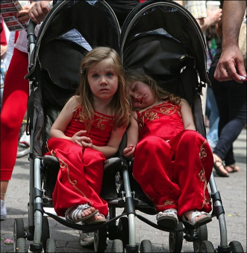 Turkish Day parade, New YOrk city, Turkey, Turkiye, twins