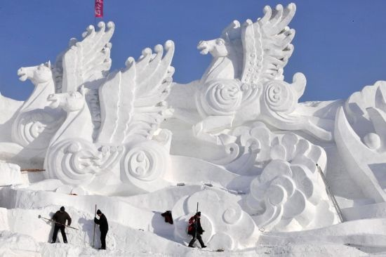 Snow and Ice Sculptures - The Last of Breckinridge CO Festival (4/6)