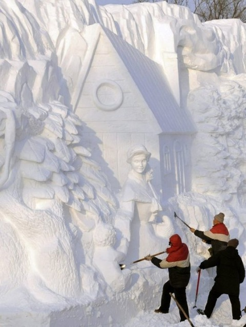 Snow and Ice Sculpture - Skill, Scope and Size - Fab Foto Friday (5/6)