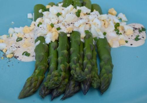 Asparagus w/ Egg Sauce*